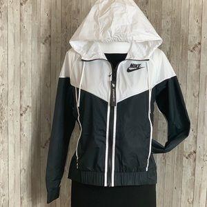 Nike Jackets & Coats - Nike women's Sportswear Wind-runner Jacket